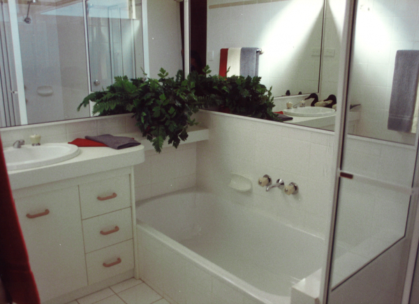 Ormiston-Manner-bathroom