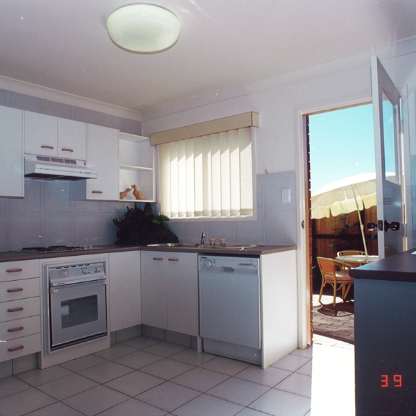 Ormiston-Manner-kitchen-area
